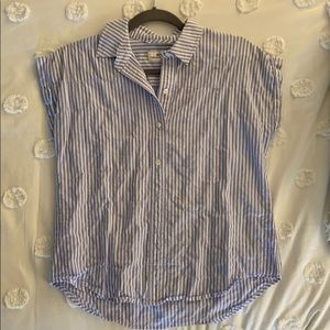 Vineyard Vines collared button up top.